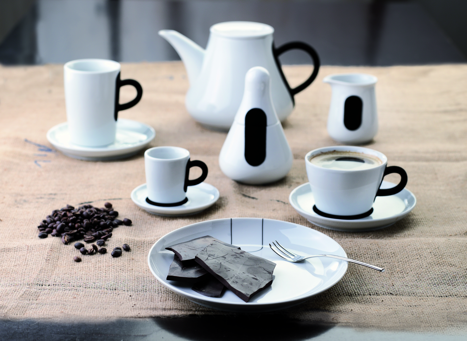 kahla touch  porcelain with a velvety soft surface - kahla one of europe's most modern and innovative porcelain producers hasbecome renowned for their innovation individuality and multifunctionalproduct