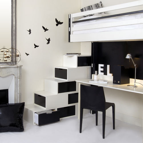 Black and white is the grandfather of all colour blocking. Image: http://tinyurl.com/lpzo6k