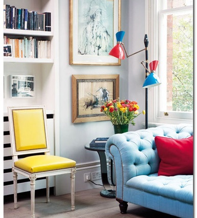 Colour blocking through accessories, such as pillows and lampshades. Image: http://tinyurl.com/9zc9bwu