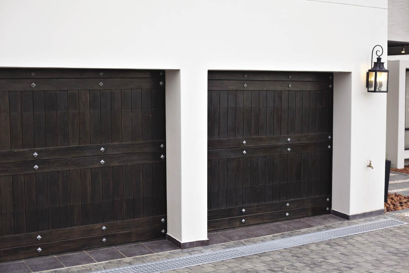 Absolute Doors 012 803 8348