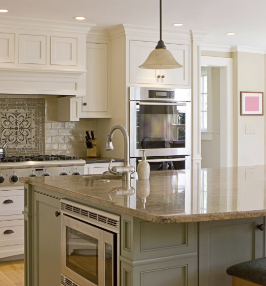 Make A Small Kitchen Look Bigger: 8 Ways To Make A Small Kitchen Look Bigger